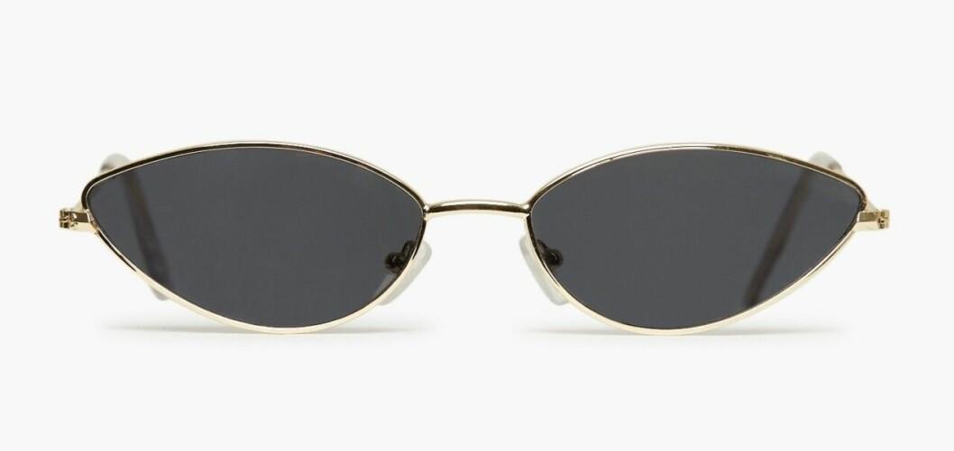 Ovala smala solglasögon från Nelly