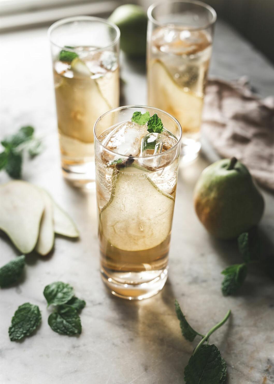 Festlig päroncider drink