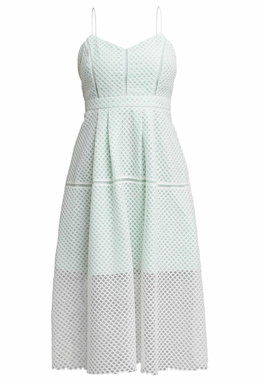 pastellfärgad klänning
