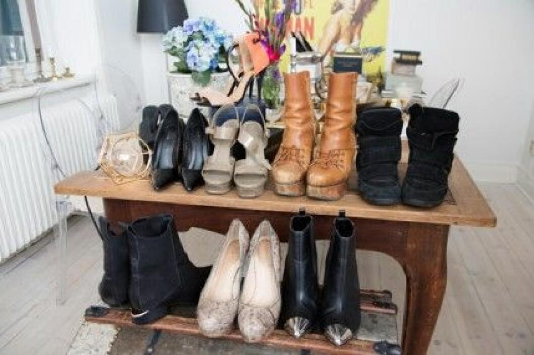 Petra Tungården har fler skor än de flesta.