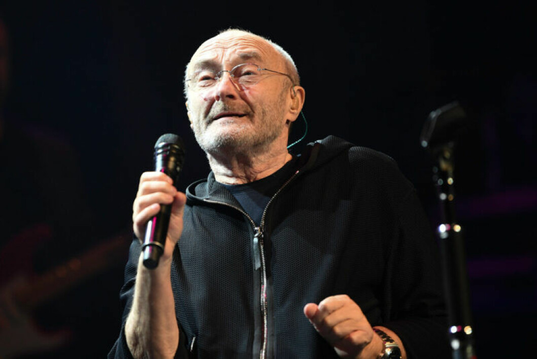 Phil Collins på scen.