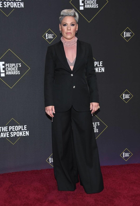 Pink på röda mattan på People's Choice Awards 2019