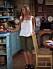 Rachel Greens snyggaste outfits i Vänner– gröna trekvartsbyxor