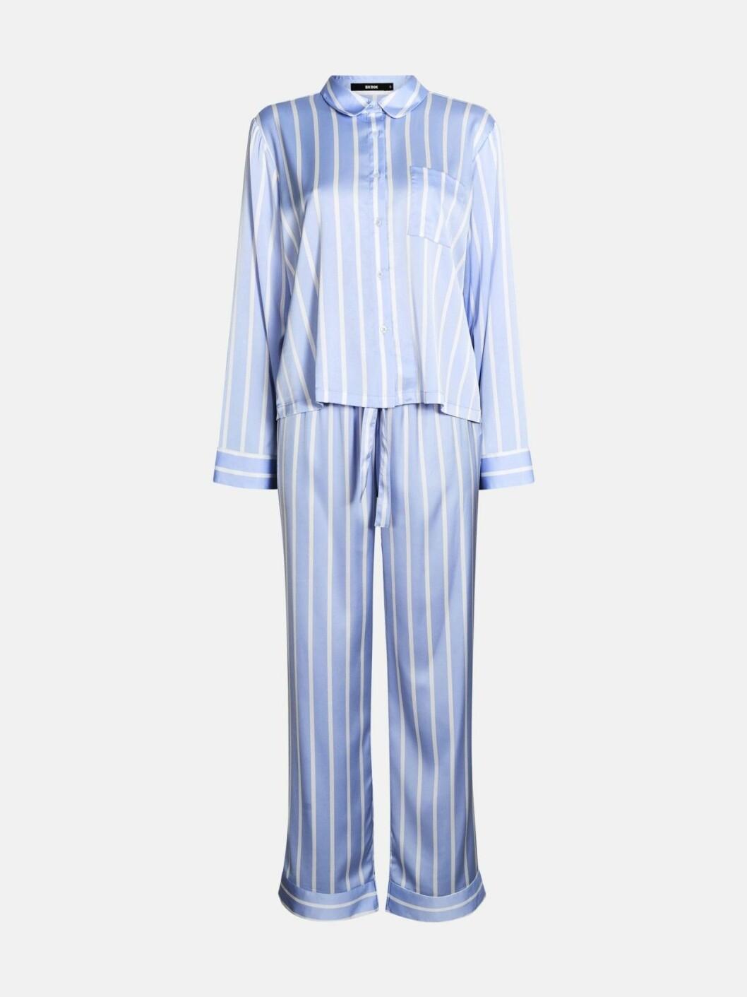 Randig pyjamas i blått