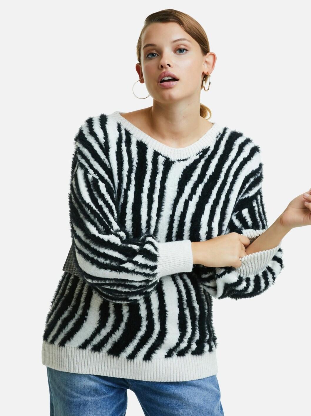 Randig stickad tröja för dam till hösten 2019