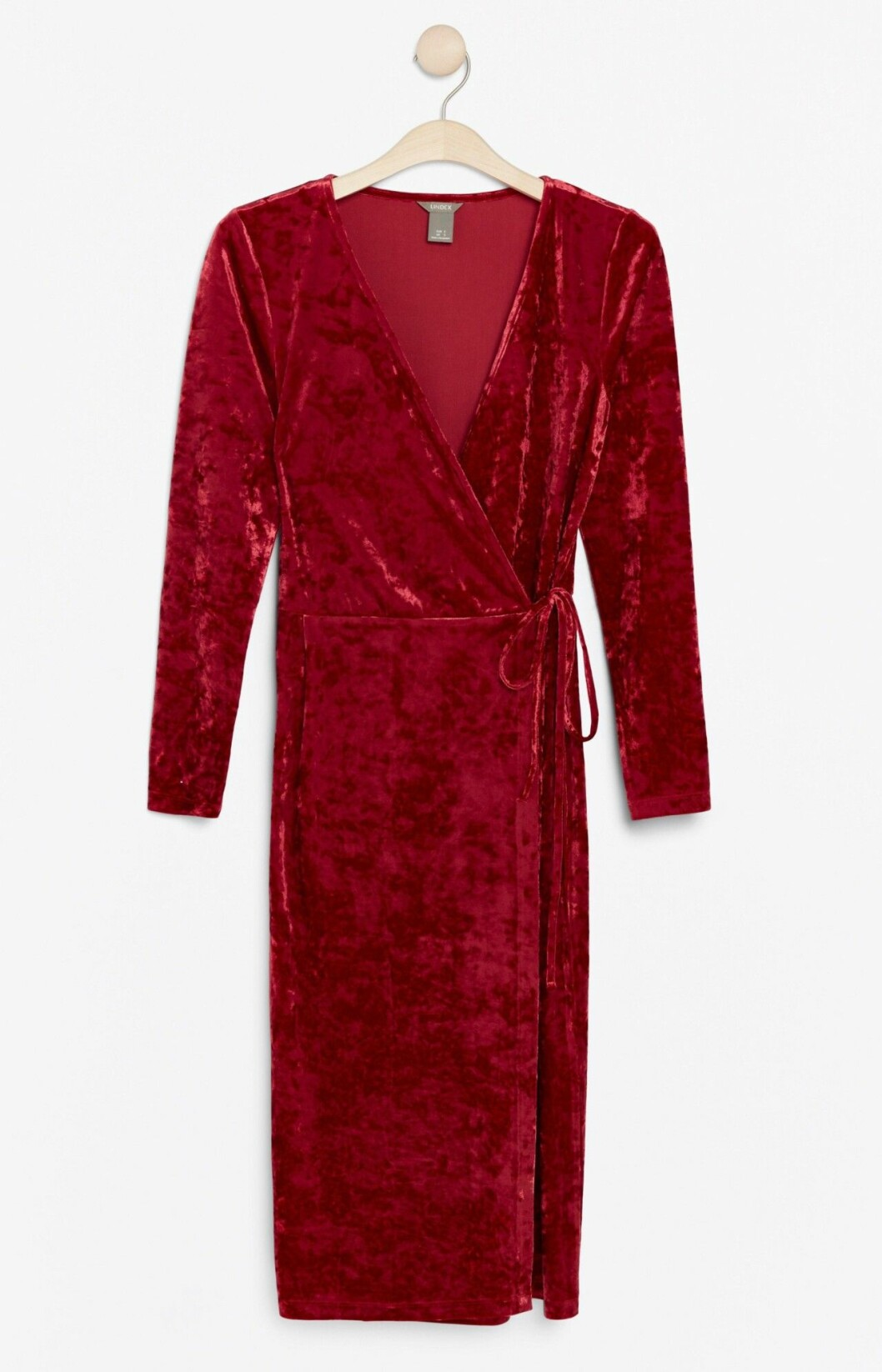 Röd sammetsklänning i omlottmodell för dam till 2019