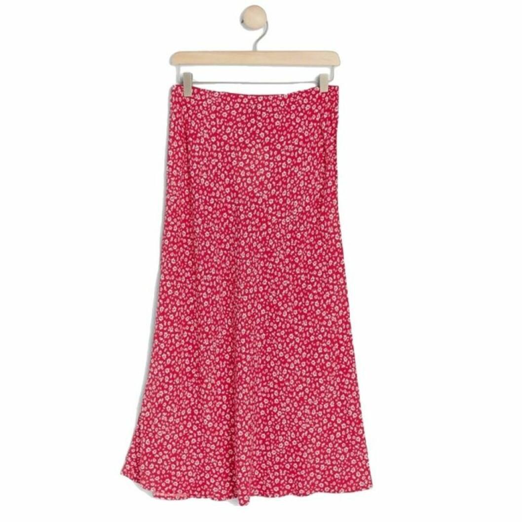 Röd medellång kjol från Lindex