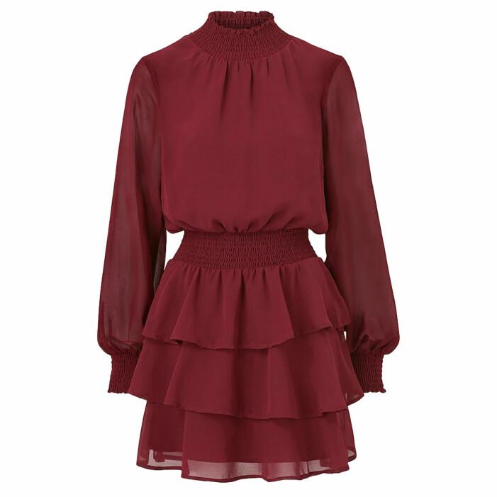 Röd klänning med volang från Gina tricot
