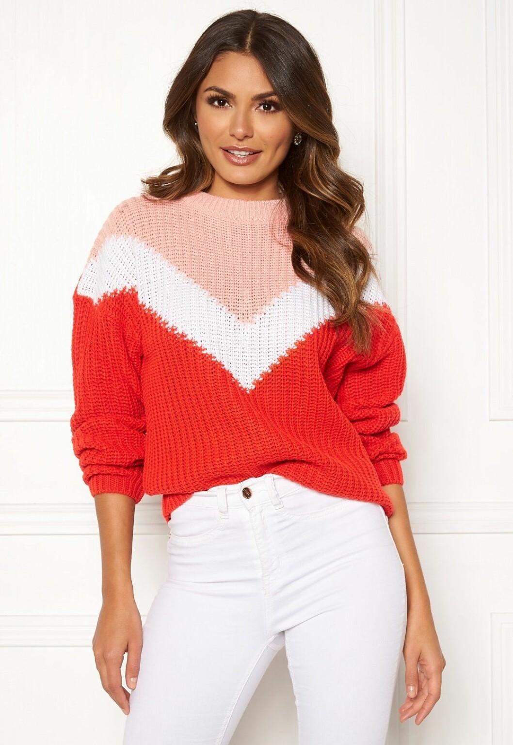 Röd och rosa stickad tröja för dam till hösten 2019