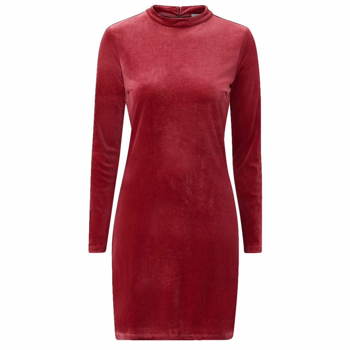 röd sammetsklänning från Vila