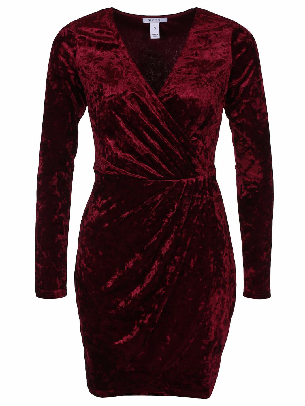 röd sammetsklänning