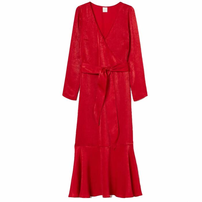 Röd skimrande klänning från H&M