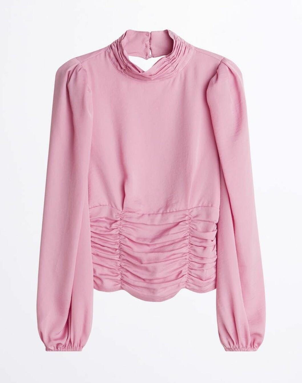 Rosa blus med rynkade detaljer för dam till våren 2020