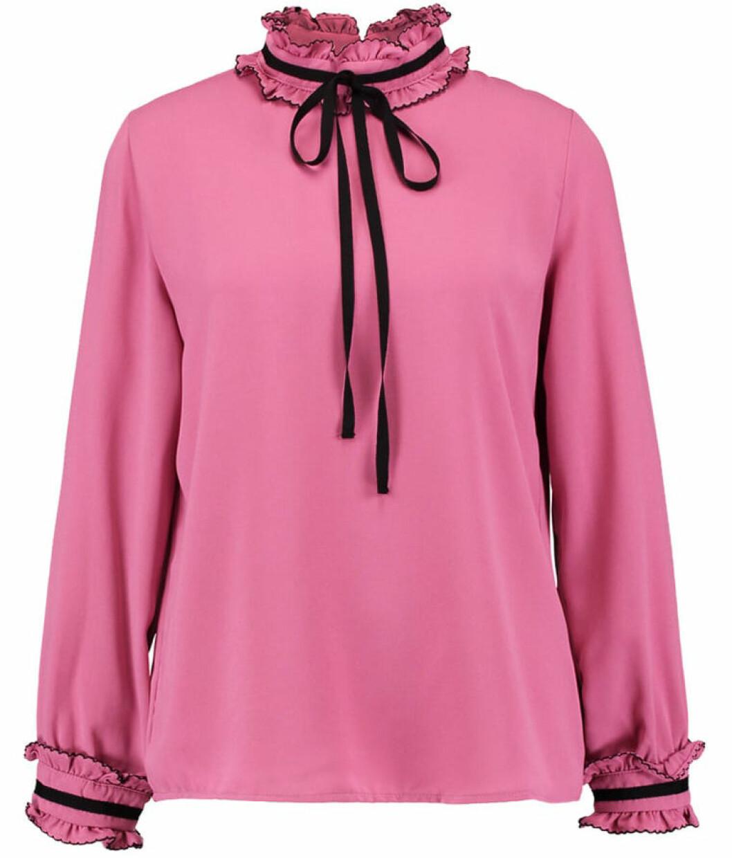 rosa blus volang