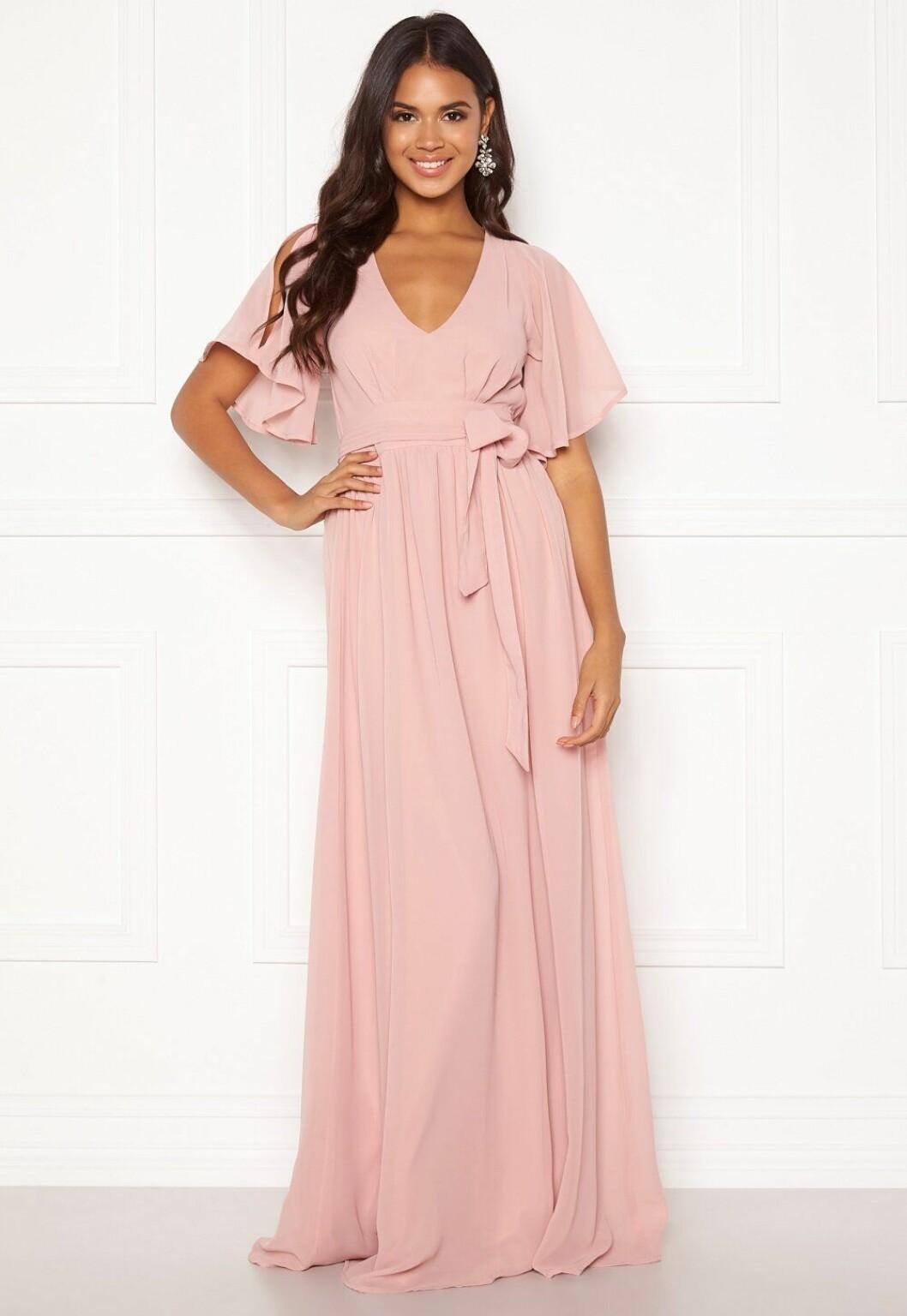 Rosa klänning till brudtärnan för 2020