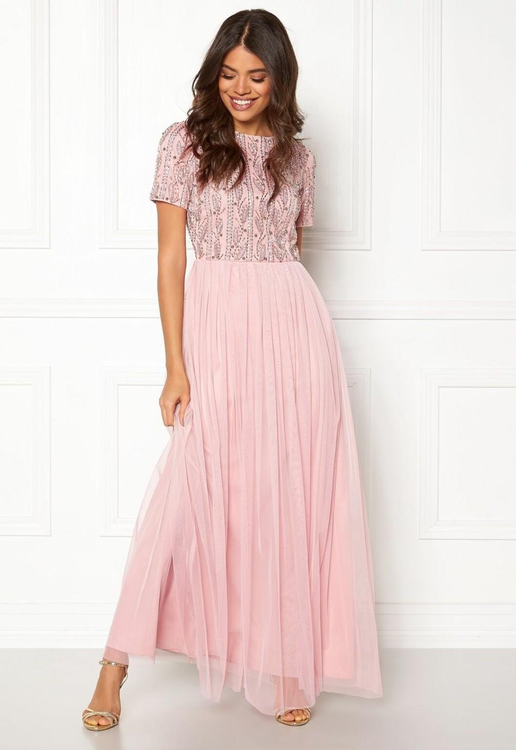 Rosa klänning till bröllop för dam 2019