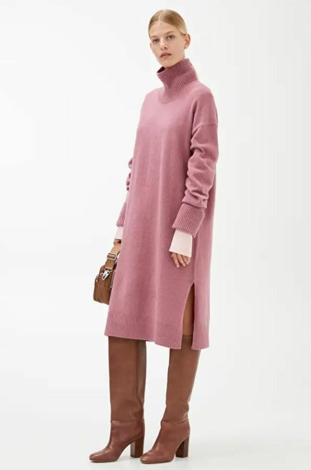 Rosa stickad klänning med polotröja för dam till hösten 2019