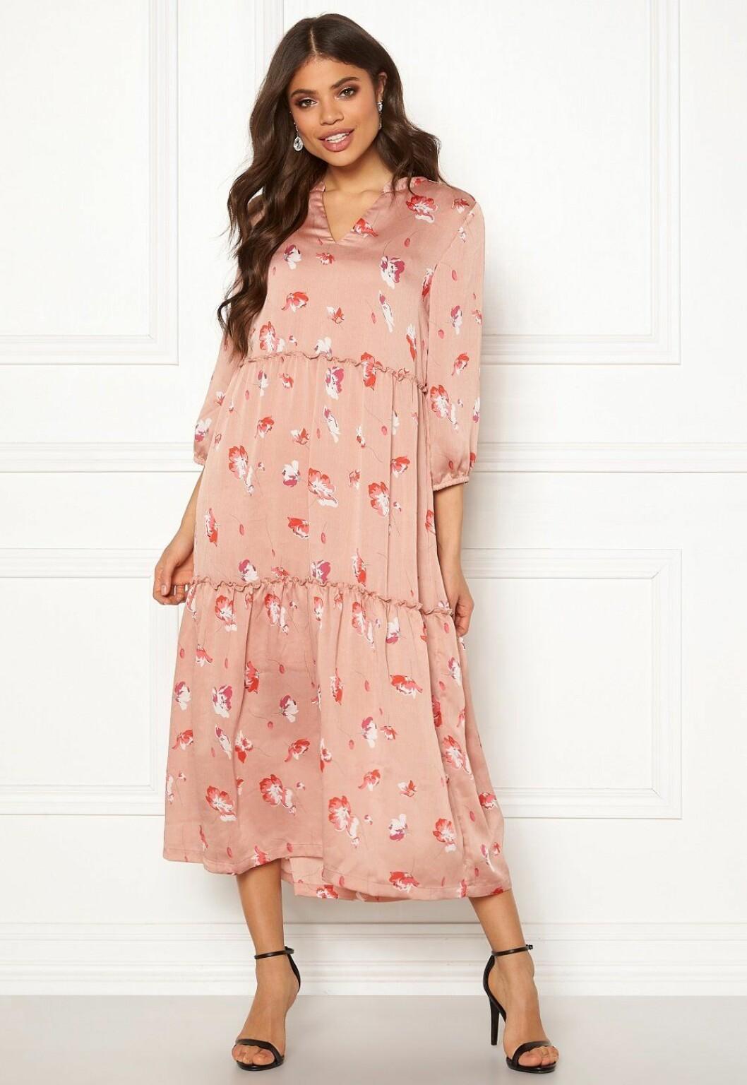 Rosa långklänning till bröllop 2019