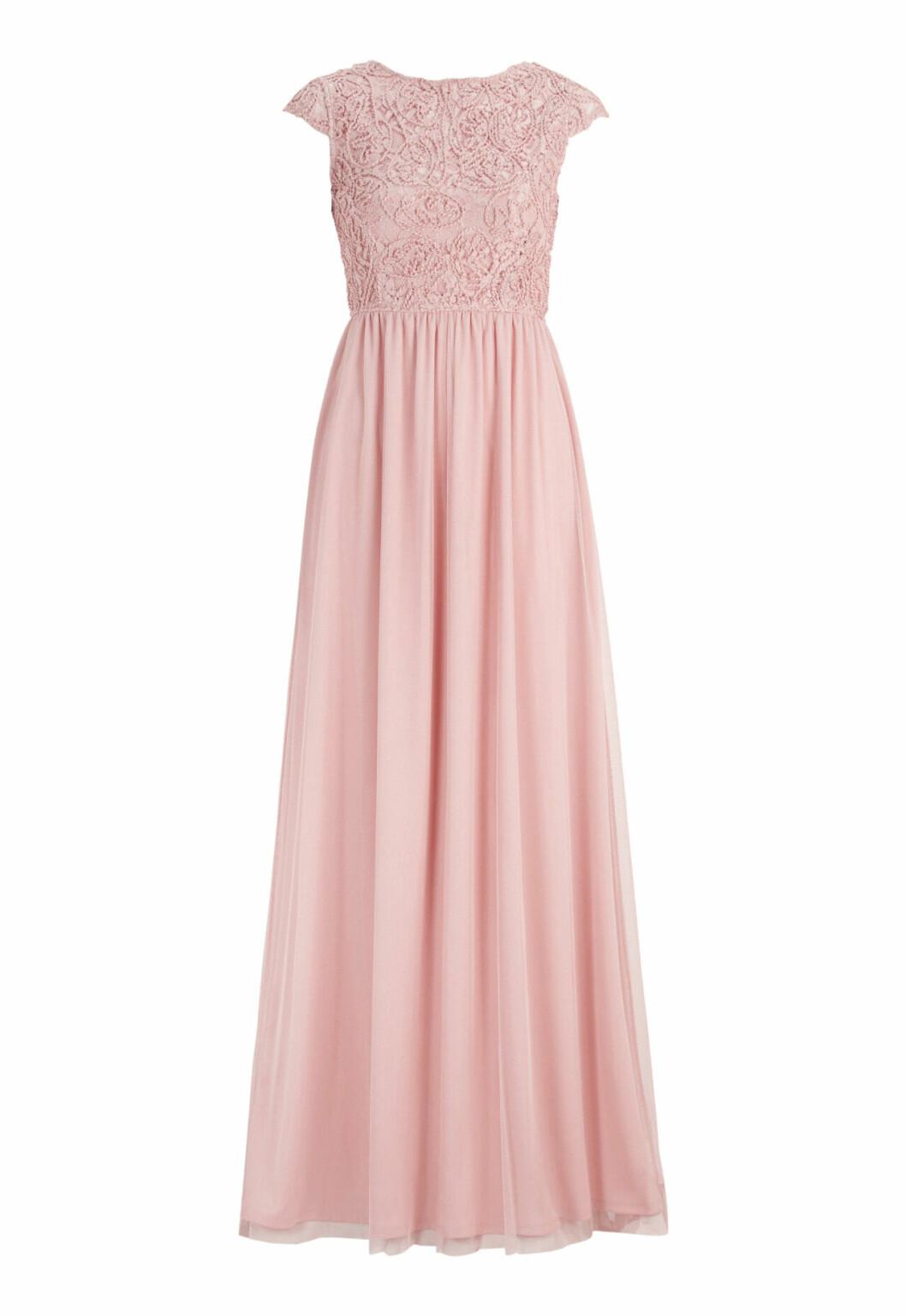 Rosa klänning till brudtärnan med spets på ovandel till 2020