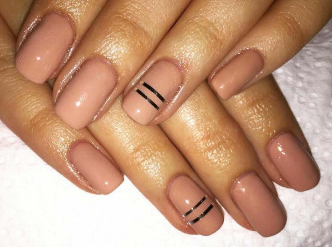 rosa naglar detaljer
