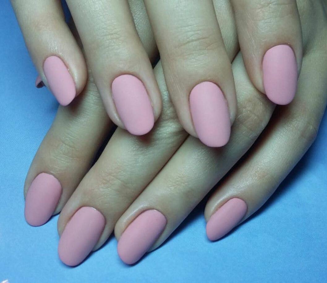 rosa naglar matta
