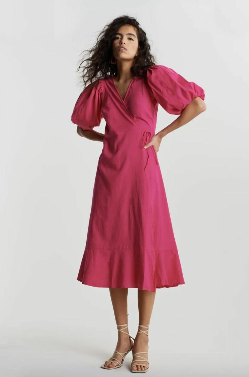 Rosa omlottklänning för dam till sommaren 2020