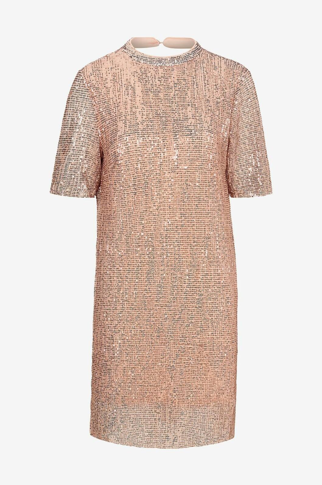 Rosa paljettklänning till nyår