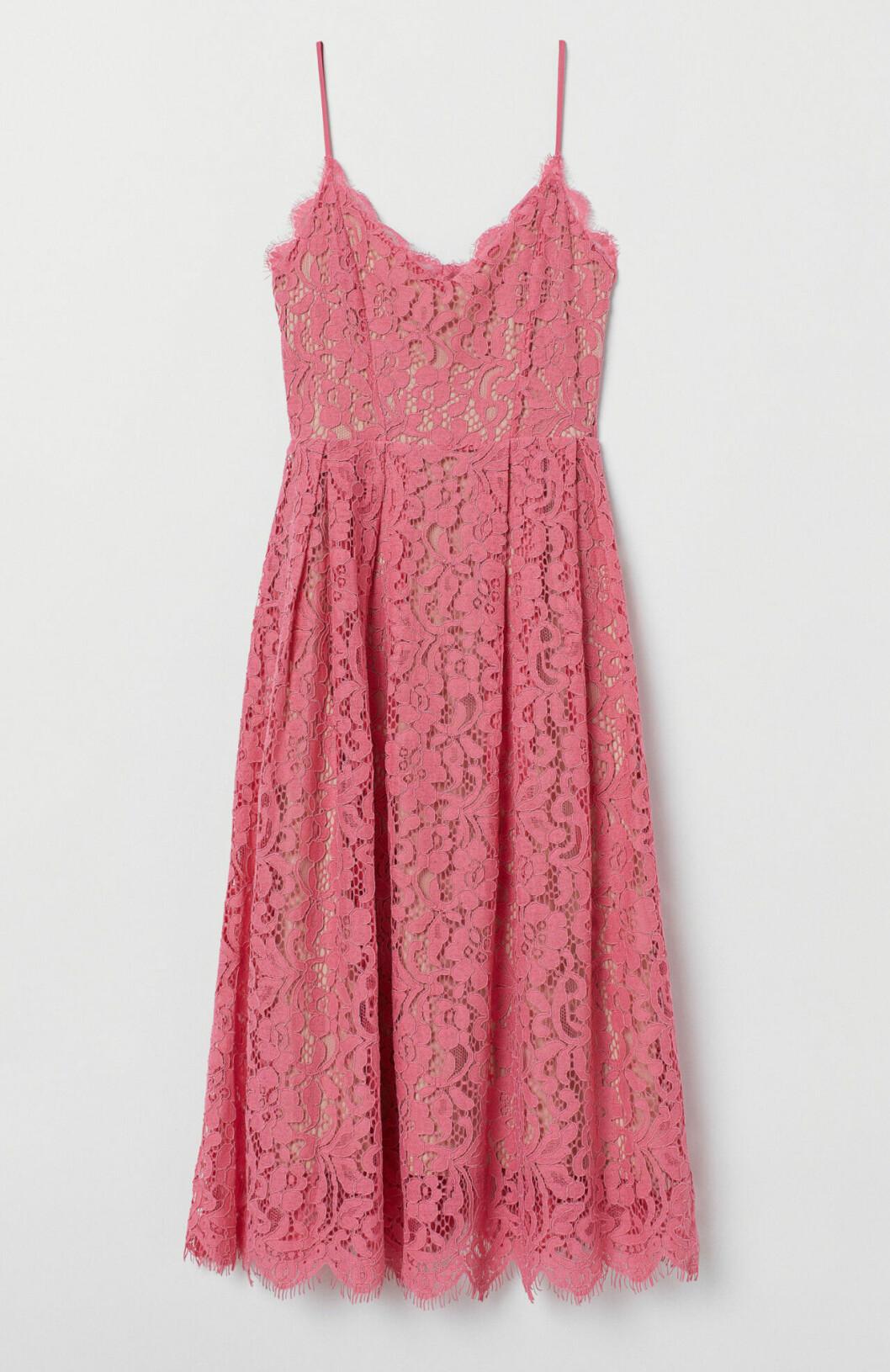 Rosa spetsklänning till bröllop på rea