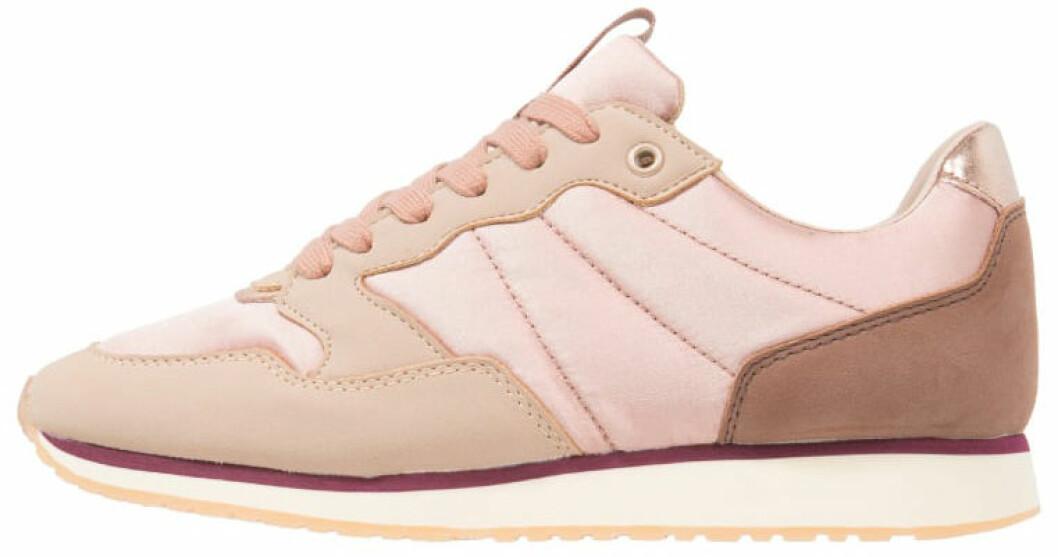 rosa sportiga sneakers