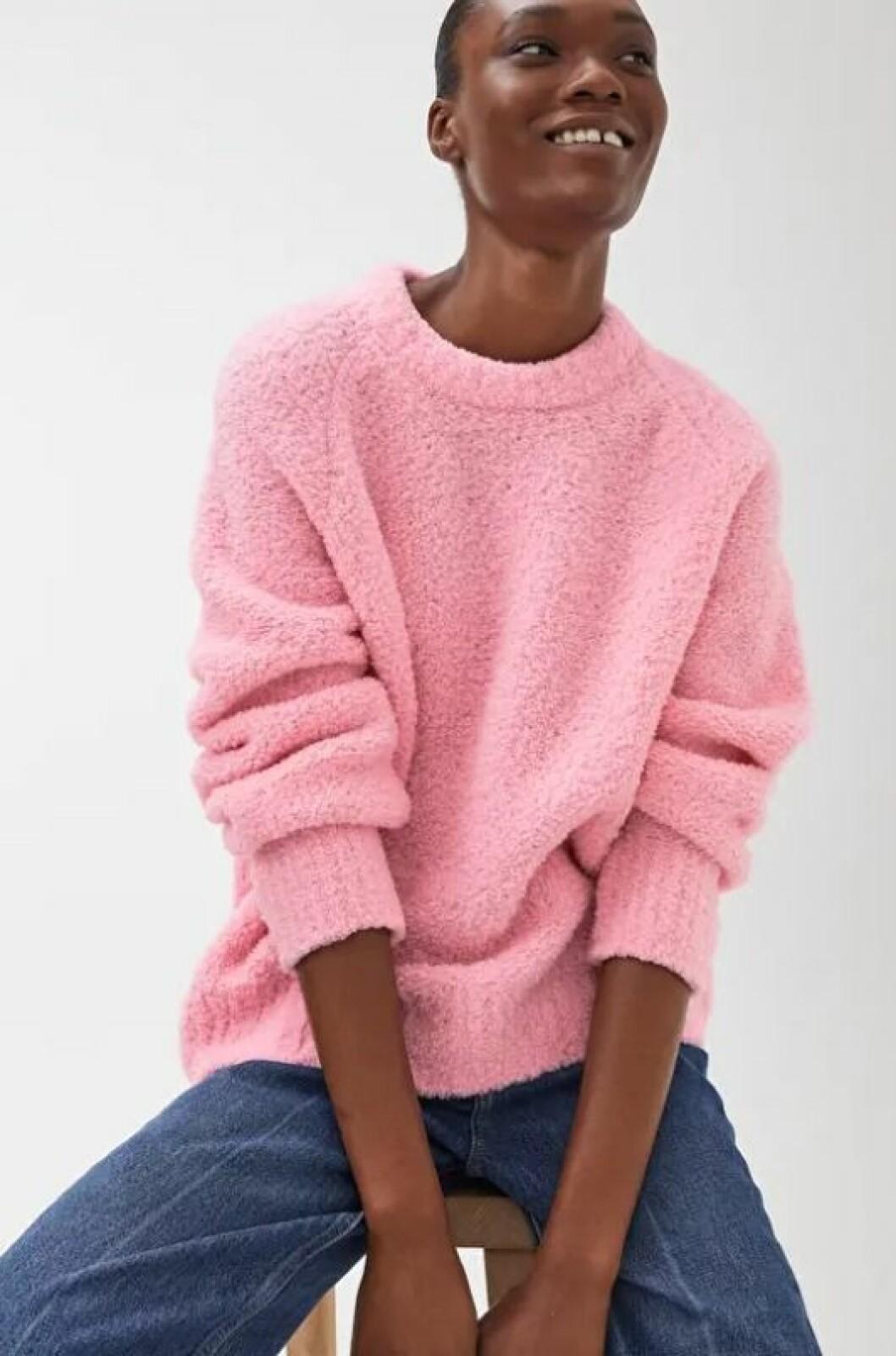Rosa stickad tröja för dam till hösten 2019