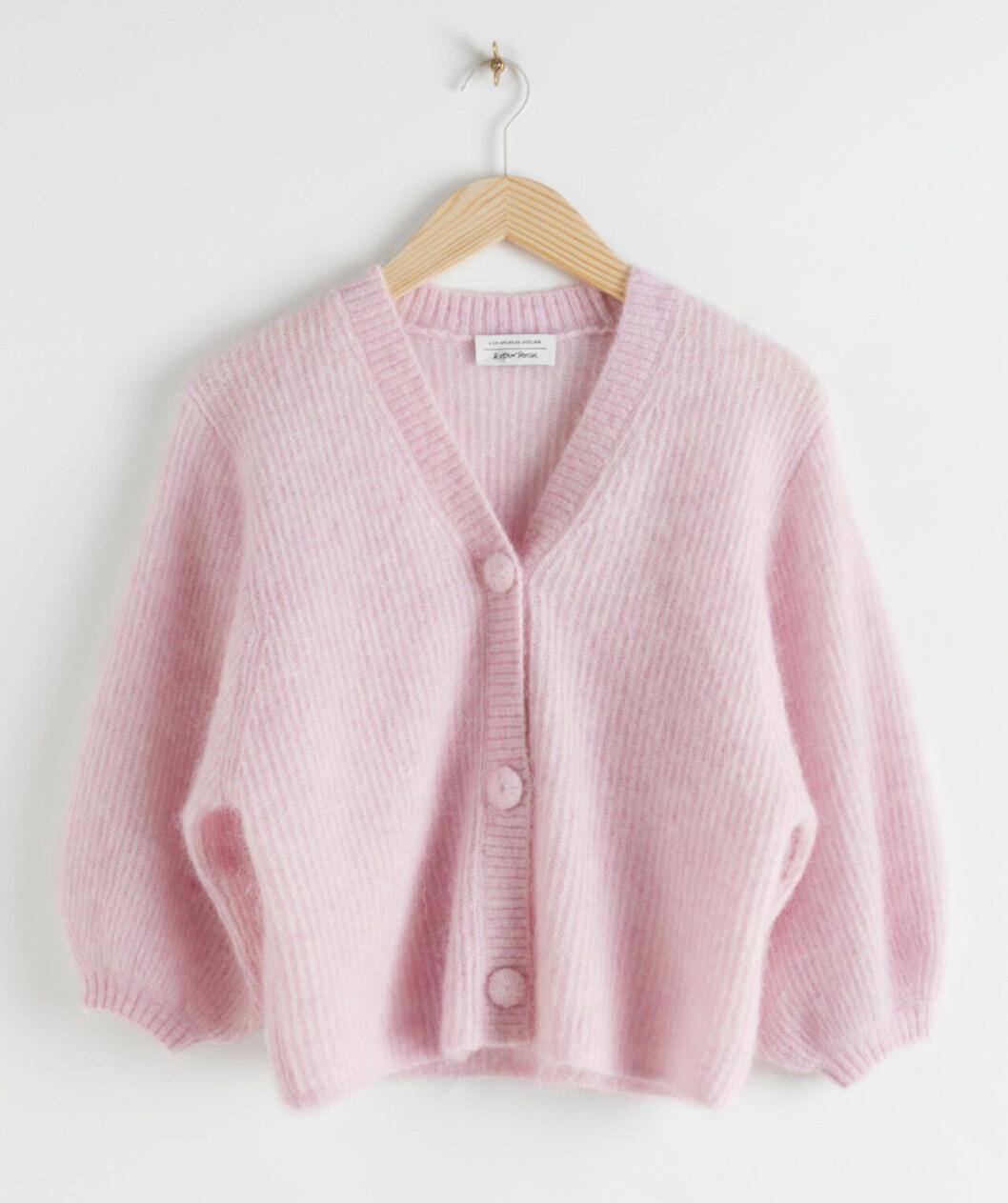 Rosa stickad tröja för dam till våren 2020