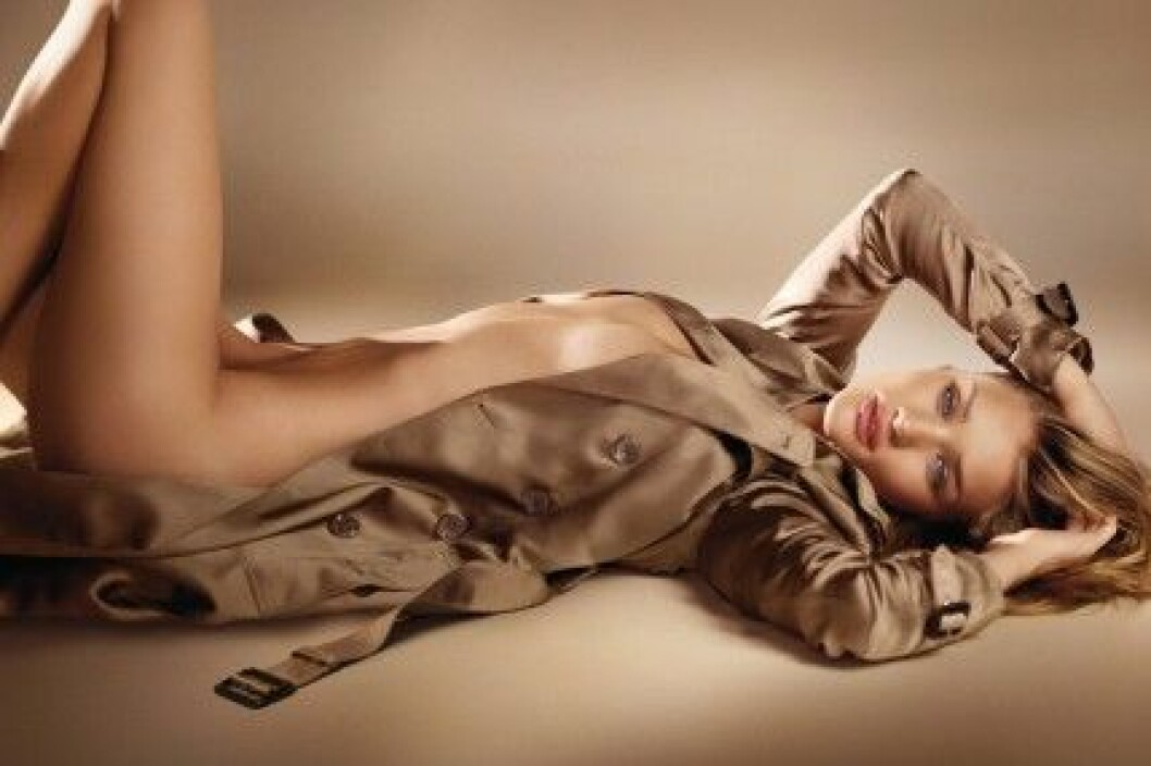Rosie Huntington-Whiteley för Burberry Body.