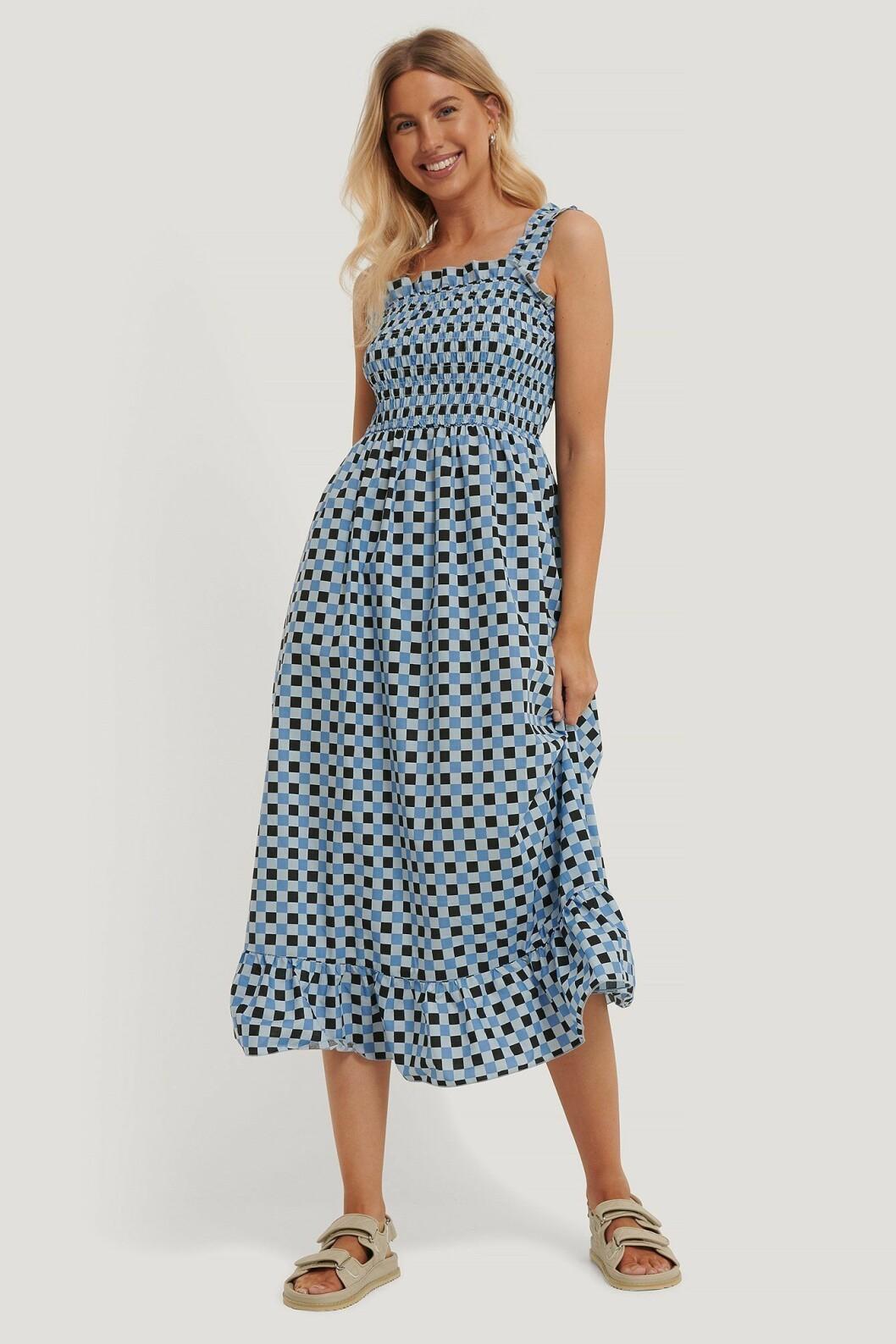 Rutig blå klänning för dam till 2020
