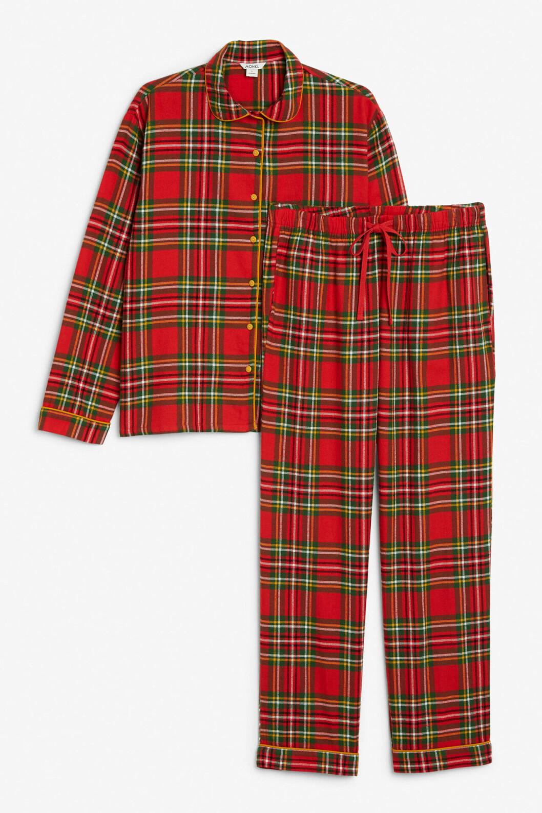 Rutig pyjamas med skjorta och byxor