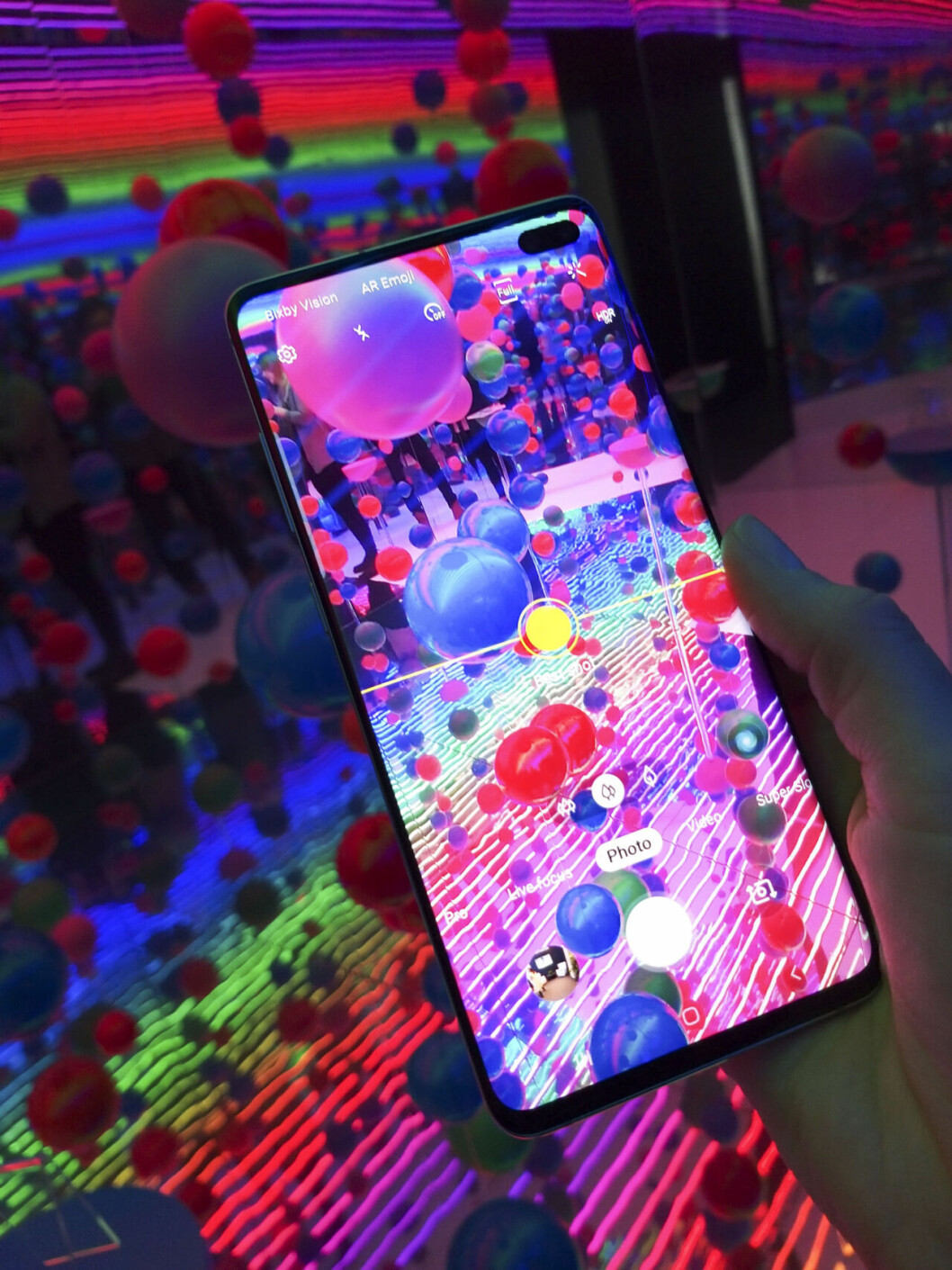 Samsung S10 ger hjälp med kompositionen