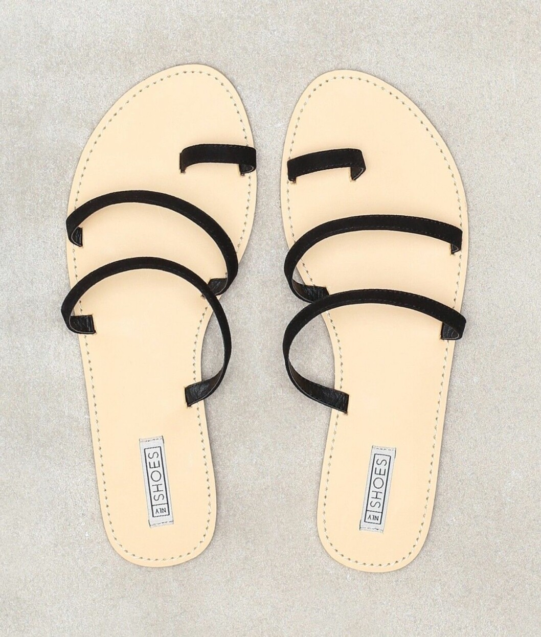 Billiga sandaler med svarta tunna remmar för dam till 2020
