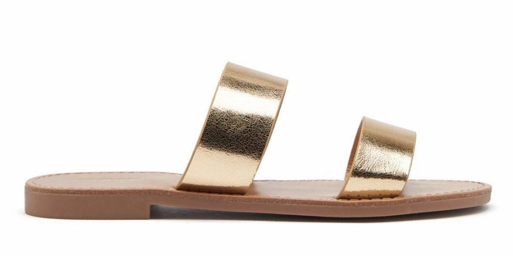 Sandaler med guldfärgade remmar för dam till 2019