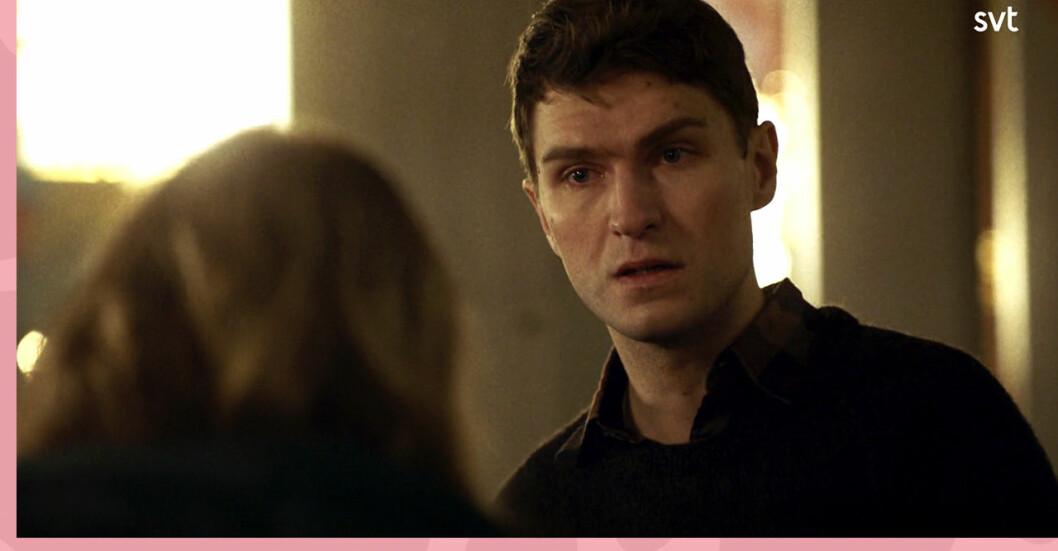 Saras ex ber Sara dra åt helvete i Tunna blå linjens avsnitt 10.