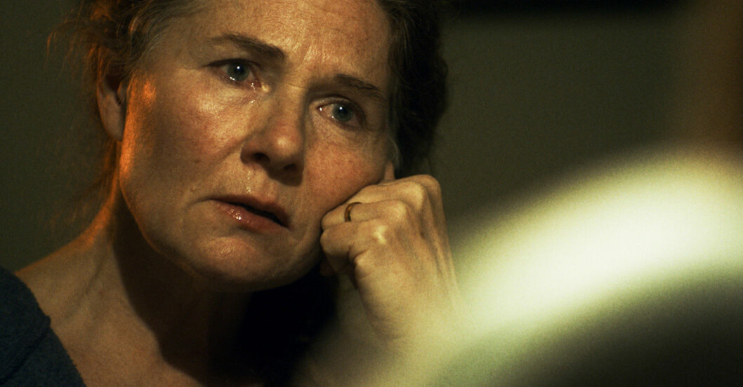 Saras mamma i Tunna blå linjen avsnitt 8.