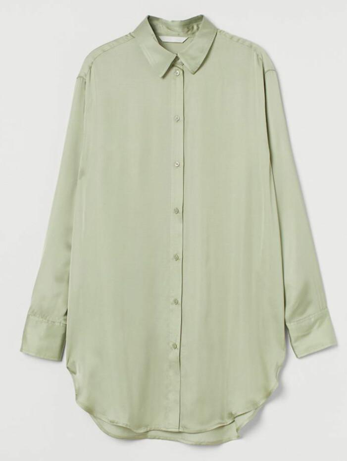 Satinskjorta i oversize-modell från H&M