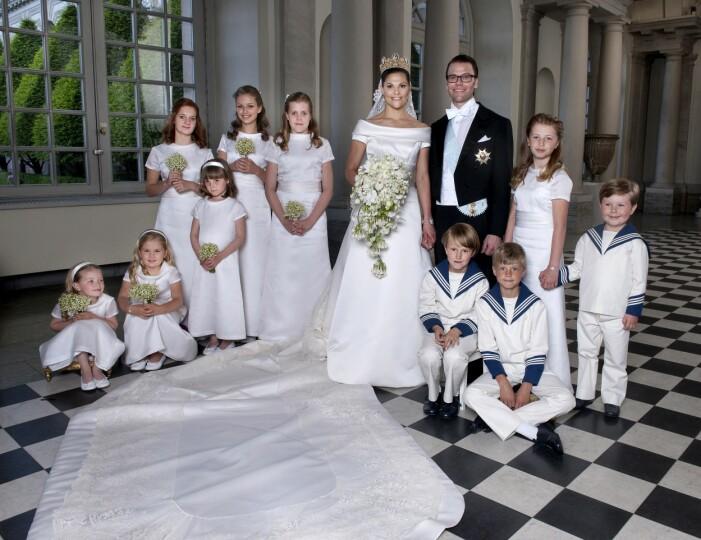 prins daniel och kronprinsessan victoria med brudnäbbet på bröllopet