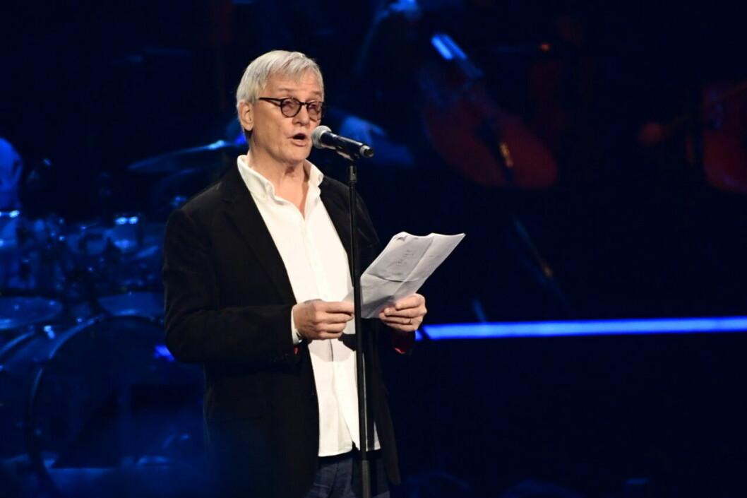 Aviciis pappa höll tal från scenen på Friends Arena