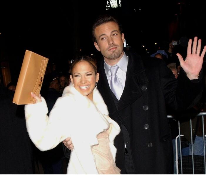 """NEW YORK Jennifer Lopez and Ben Affleck at """"Maid in Manhattan"""" premier at the Ziegfeld Theatre in Manhattan on 8 December 2002."""