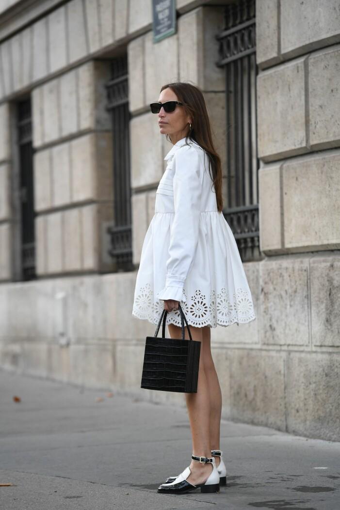 sommarlook med vit klänning