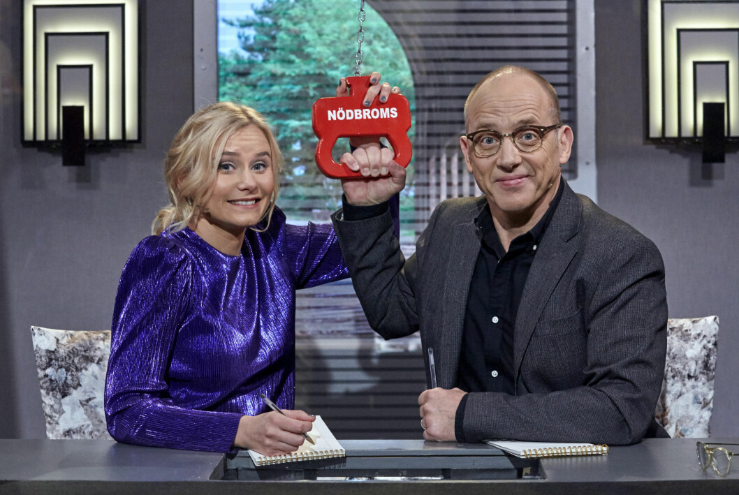 Ebba Hulkvist Stragne och Samuel Fröler i På spåret.