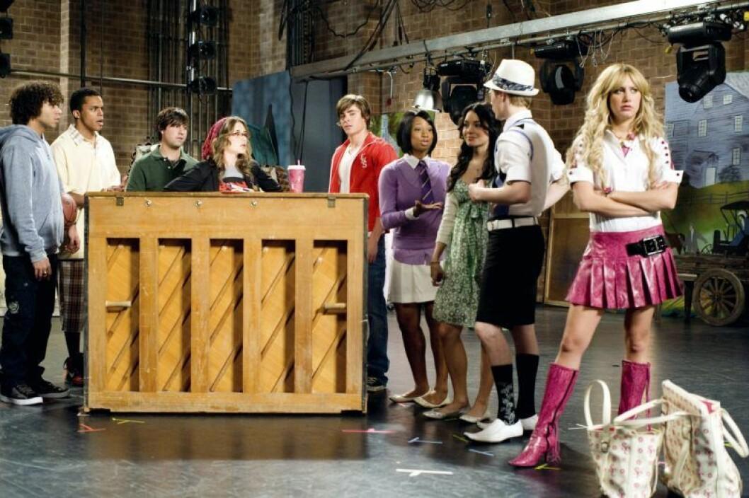 Corbin Bleu, Chris Warren Jr., Ryne Sanborn, Olesya Rulin, Zac Efron, Monique Coleman, Vanessa Hudgens, Lucas Grabeel, Ashley Tisdale i High School Musical.