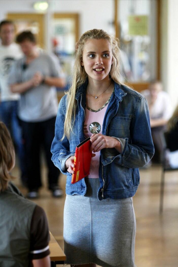 "STOCKHOLM 20030624 - I januari lngfilmsdebuterar unga regissren Teresa Fabik med ungdomsfilmen ""Hip hip hora"", en film om sexuella trakasserier. Bilden: Amanda Rehnberg som spelar huvudrollen Sofie Foto: Jonas Ekstrmer Kod: 1030 COPYRIGHT SCANPIX SWEDEN"