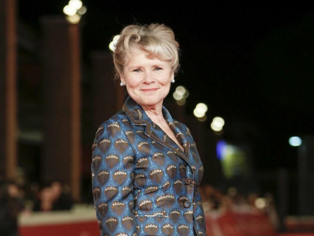 Imelda Staunton tar över rollen som Drottning Elisabeth II i sista säsongerna av The Crown.