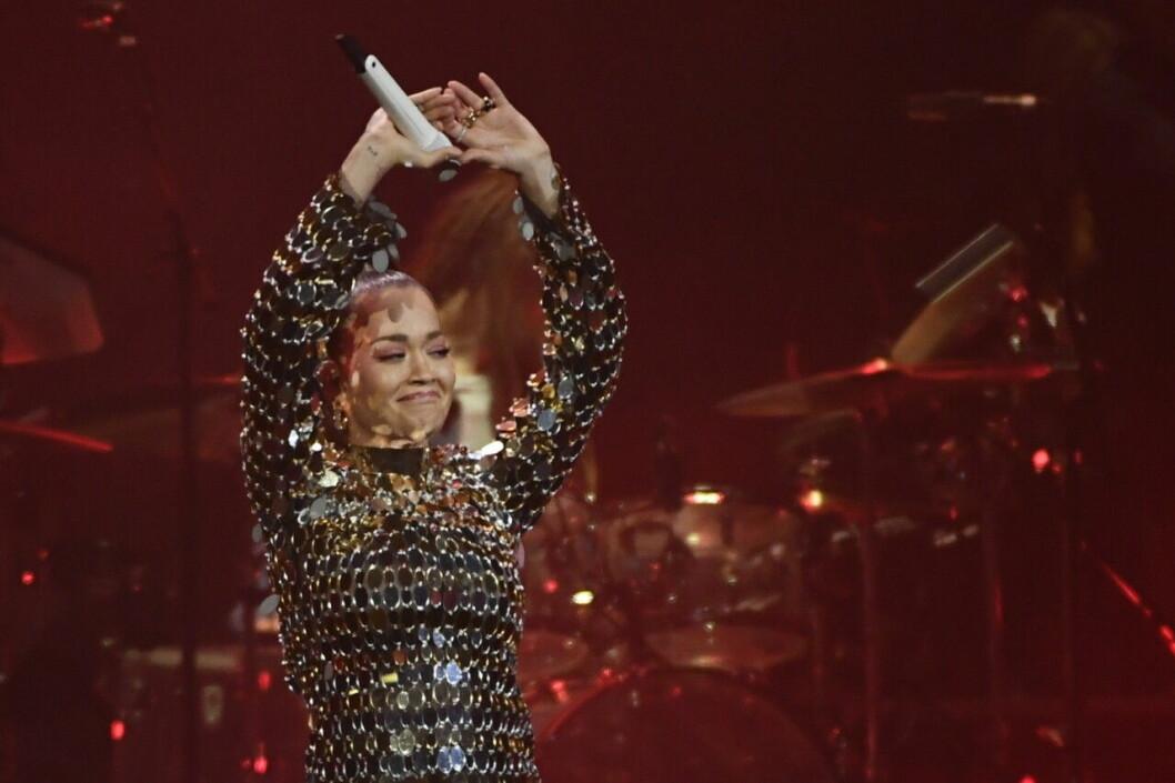Rita Ora på Aviciis hyllningskonsert på Friends Arena