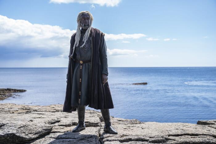 Steve Toussaint som Lord Corlys Velaryon/The Sea Snake